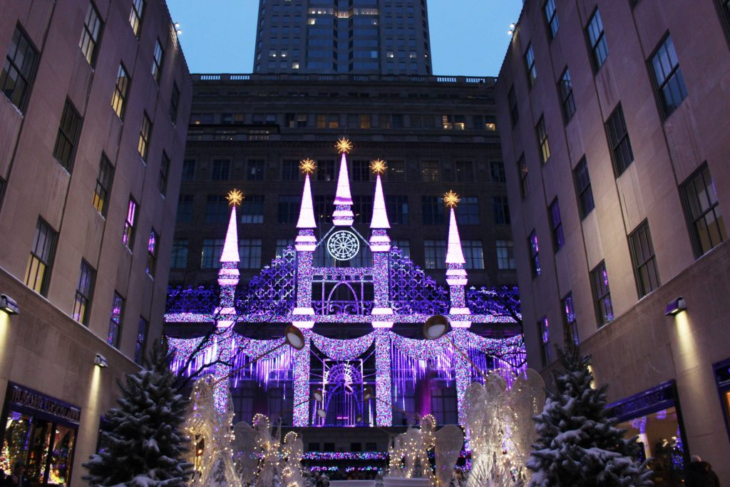 saks fifth avenue - christmas in new york